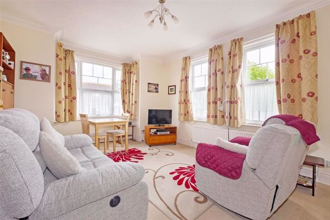 Thumbnail 1 bedroom flat for sale in London Road, Hailsham