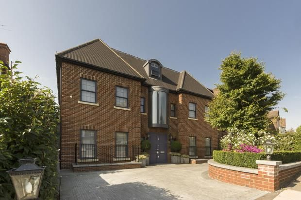 Thumbnail Detached house for sale in Oakfields Road, Temple Fortune, London