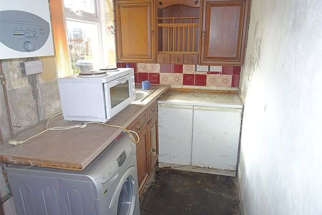 Picture No. 14 of Eldon Place, Cutler Heights, Bradford, West Yorkshire BD4