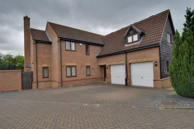 Thumbnail Detached house for sale in Littlebury Close, Stotfold, Hitchin, Bedfordshire