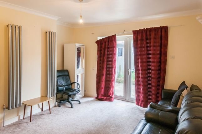 Thumbnail Semi-detached house to rent in Bennetts Castle Lane, Becontree, Dagenham