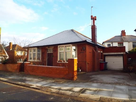 Thumbnail Bungalow for sale in Waterfoot Avenue, Blackpool, Lancashire