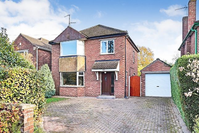 Thumbnail Detached house for sale in Hykeham Road, Lincoln