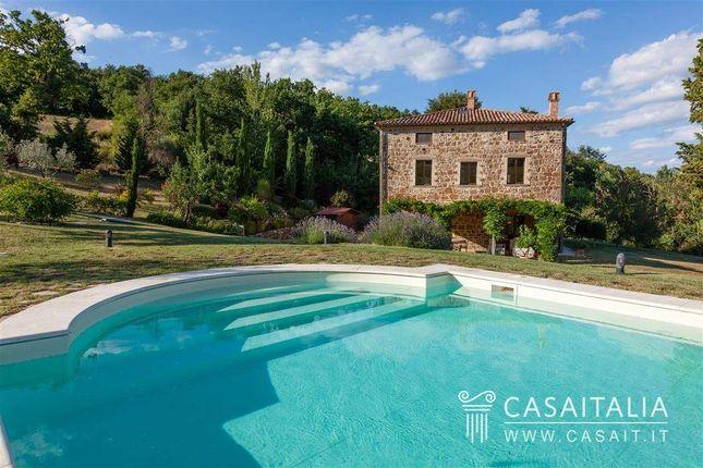 4 bed villa for sale in Todi, Umbria, It