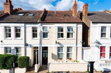 Thumbnail Flat for sale in Gilbey Road, London