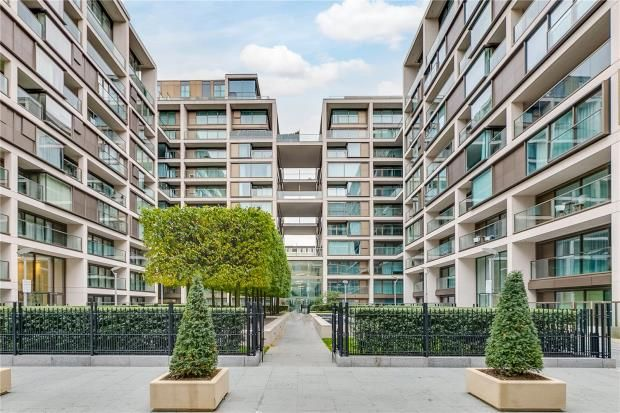 Thumbnail Flat For In Lord Kensington House 375 High Street London