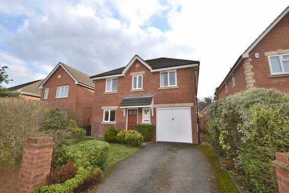 3 bed detached house for sale in Rochester Grove, Fleet