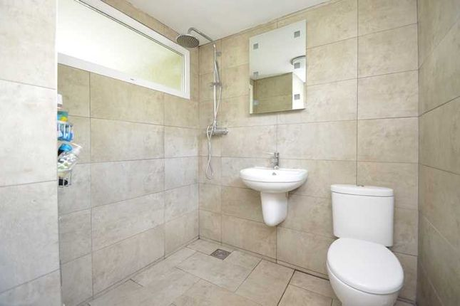 Wet Room/WC of Captains Walk, Falmouth TR11