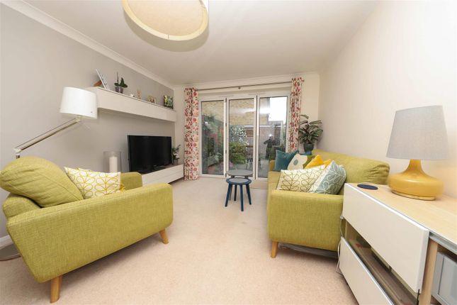 Living Room of Glebe Avenue, Ickenham, Uxbridge UB10