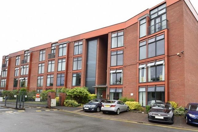 Thumbnail Flat to rent in Lauriston Close, Sharston, Wythenshawe, Manchester