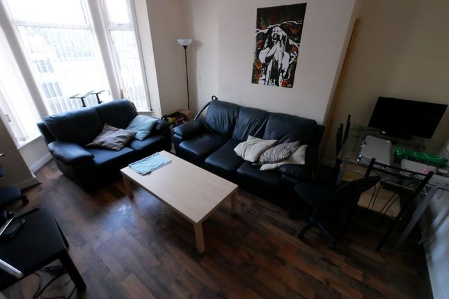 Thumbnail Property to rent in Cardigan Road, Hyde Park, Leeds