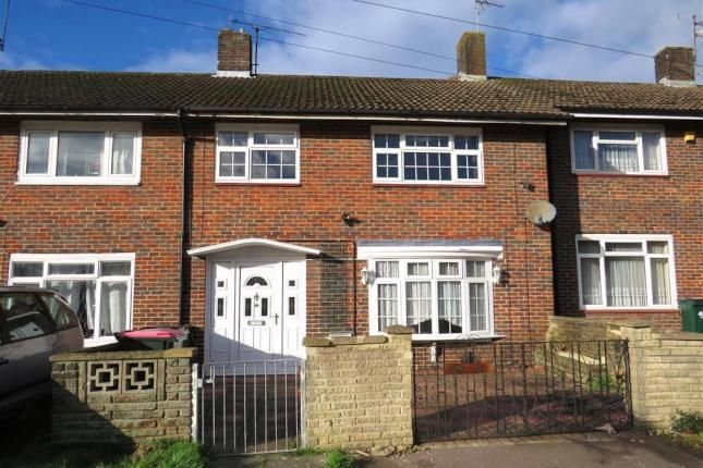 Thumbnail Property to rent in Swallow Road, Crawley