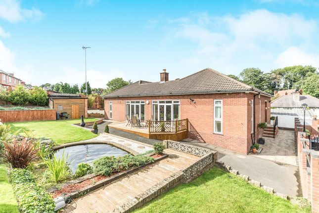 Thumbnail Detached bungalow for sale in The Drive, Drews Holloway, Halesowen