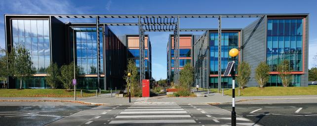 Thumbnail Office to let in Pinehurst II, Farnborough Business Park, Farnborough