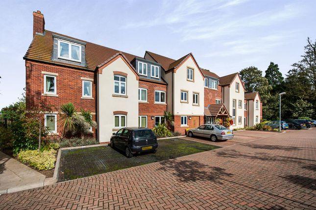Thumbnail Flat for sale in Stratford Road, Wellesbourne, Warwick, Warwickshire