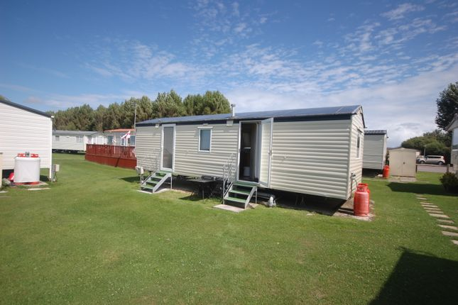 2 bed mobile/park home for sale in White Horse, Selsey, Chichester