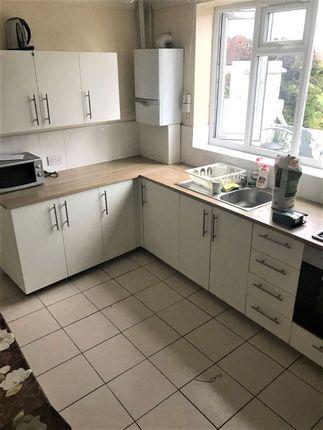 Thumbnail Flat to rent in Uxbridge Road, Hatch End, Pinner
