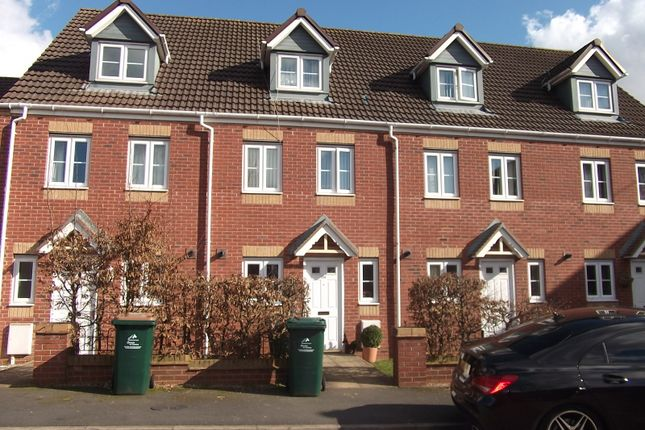 3 bed terraced house to rent in Signet Square, Coventry