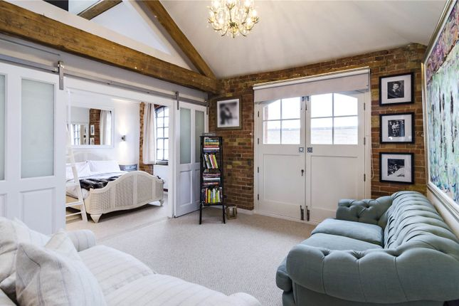 2 bed flat for sale in Blue Anchor Lane, London