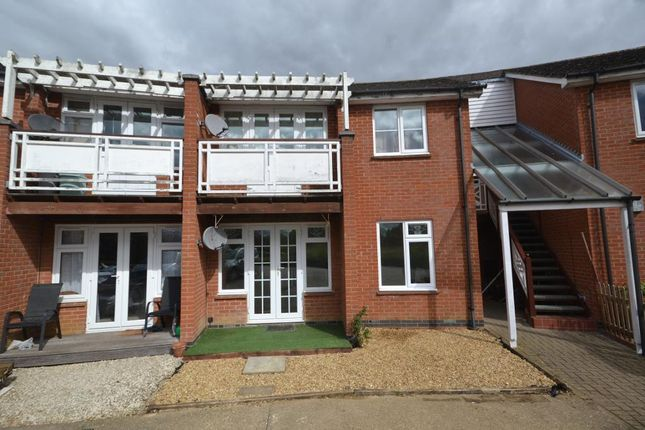 Thumbnail Flat for sale in Wingate Circle, Walton Park, Milton Keynes