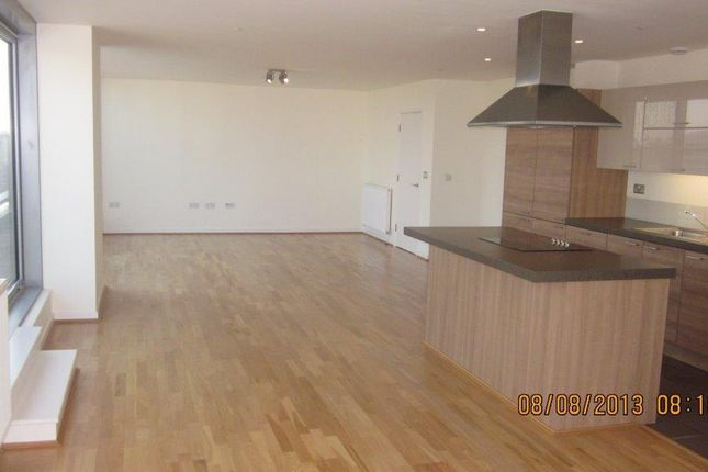 3 bed flat to rent in Cavatina Building, Greenwich