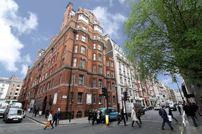 3 bed flat for sale in Berkeley Street, Mayfair, London