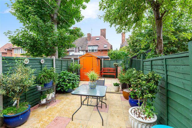 Garden of Erconwald Street, London W12