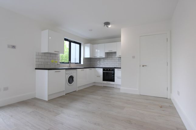 Thumbnail Property to rent in Bounds Green Road, London