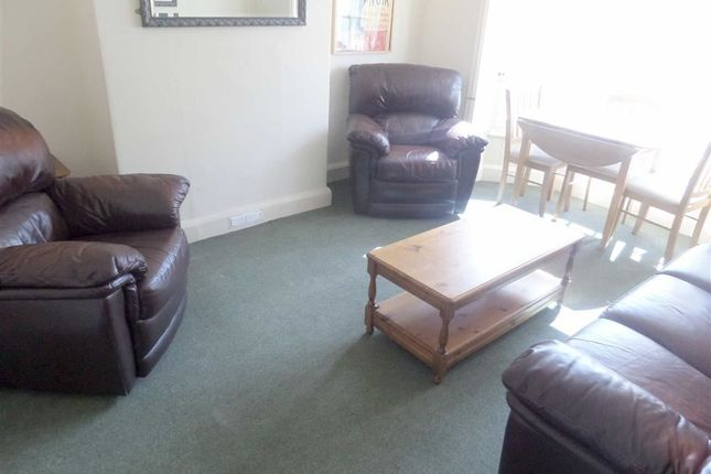 Thumbnail Flat to rent in Chalybeate Street, Aberystwyth