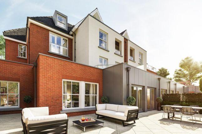 Terrace of Dollis Avenue, London N3