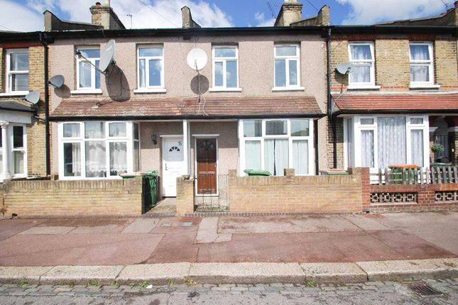 Terraced house to rent in Avenons Road, London