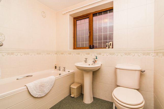 Bathroom of Rockcliffe Close, Wadworth, Doncaster DN11