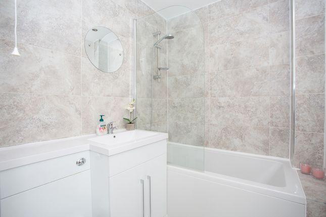 Bathroom of Alban Court, Burleigh Road, St. Albans, Hertfordshire AL1