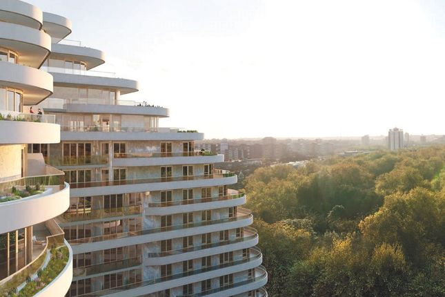 Thumbnail Flat for sale in Vista Chelsea, Queenstown Road, London