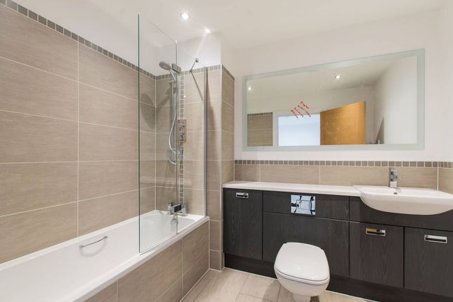 Thumbnail Flat for sale in Welmar Mews, Clapham
