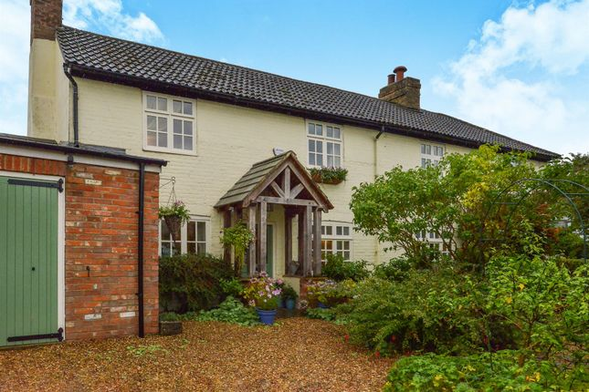 Thumbnail Detached house for sale in Walton Road, Wavendon, Milton Keynes