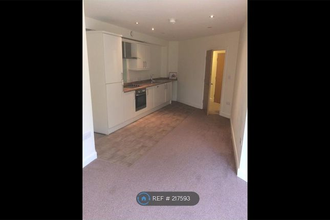Flat to rent in Kirk Beston Close, Leeds