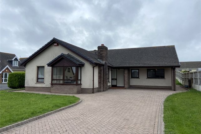 4 bed bungalow to rent in Cenarth Close, Pembroke Dock, Sir Benfro SA72