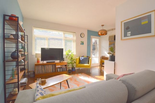 Thumbnail Maisonette to rent in Westfield Park, Hatch End, Pinner