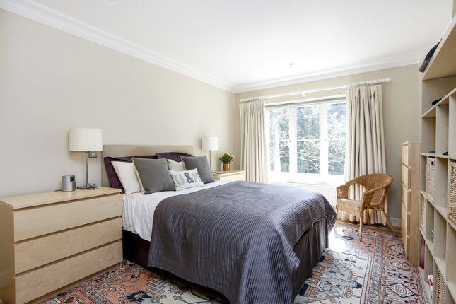 Bedroom of Wimbledon Hill Road, London SW19