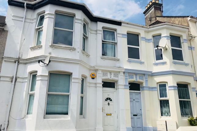 Thumbnail 2 bed flat to rent in Cecil Avenue, Plymouth