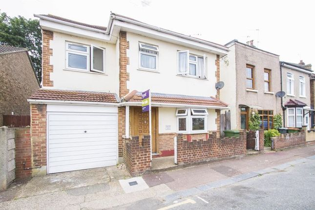Thumbnail Detached house for sale in Wellington Road, London