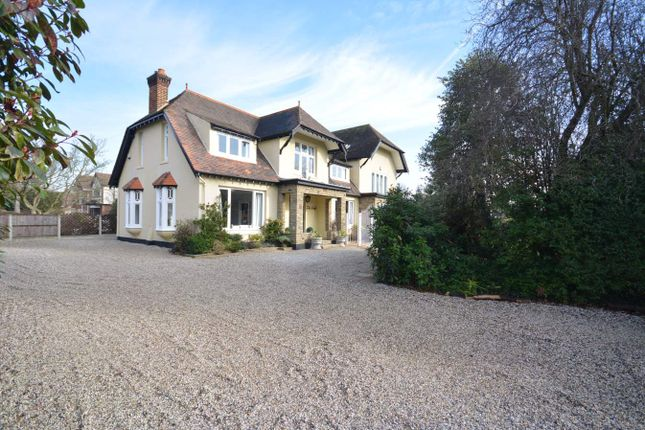 Thumbnail Detached house for sale in Nelmes Road, Emerson Park, Hornchurch