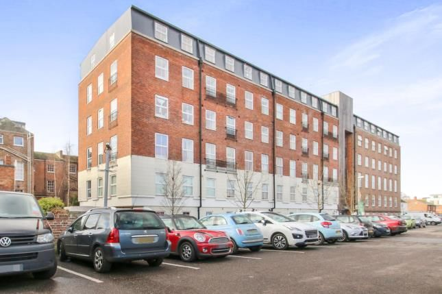 Thumbnail Flat for sale in Crescent Way, Taunton, Somerset