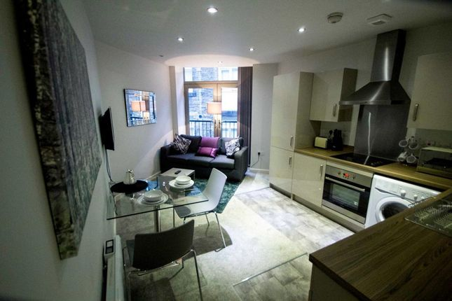 Thumbnail Studio to rent in Vincent Street, Bradford