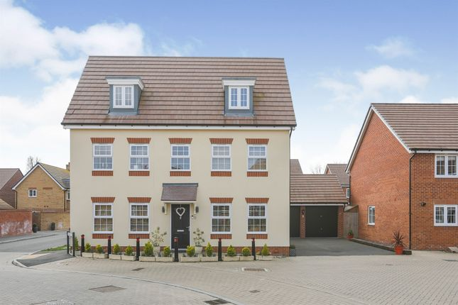 Thumbnail Detached house for sale in Hawthorn Close, Honeybourne, Evesham