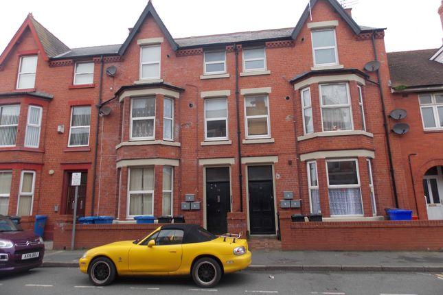 Thumbnail Flat to rent in 70 Wellington Road, Denbighshire
