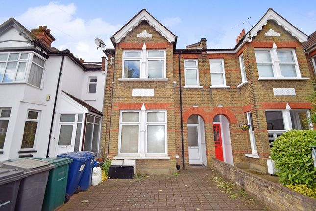 2 bed flat to rent in Nether Street, North Finchley
