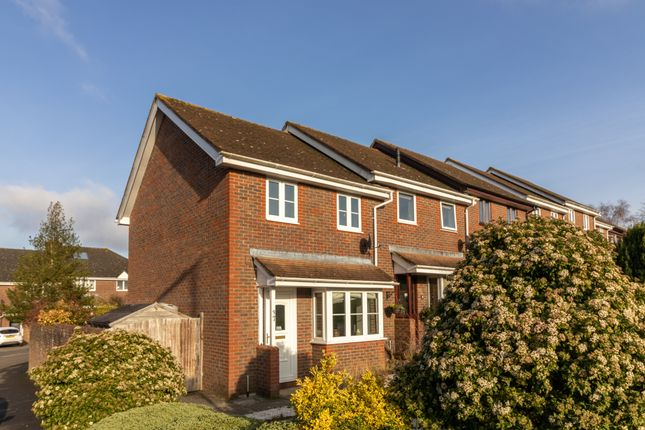 2 bed end terrace house for sale in Benenden Green, Alresford SO24