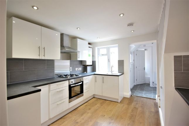 2 bed terraced house to rent in Grove Street, Wantage